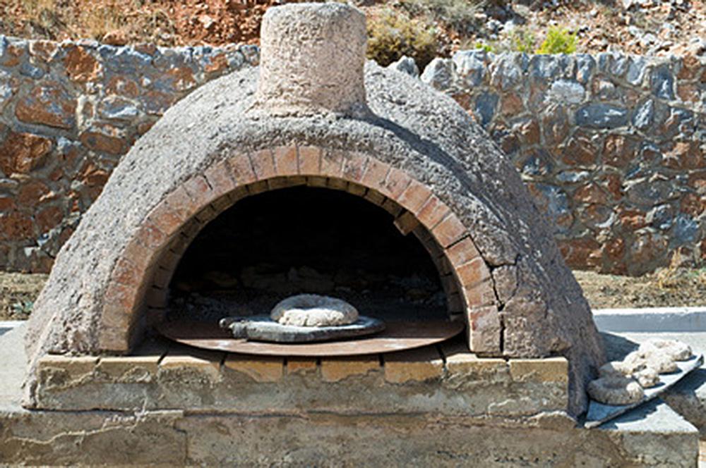 ドーム型の石窯